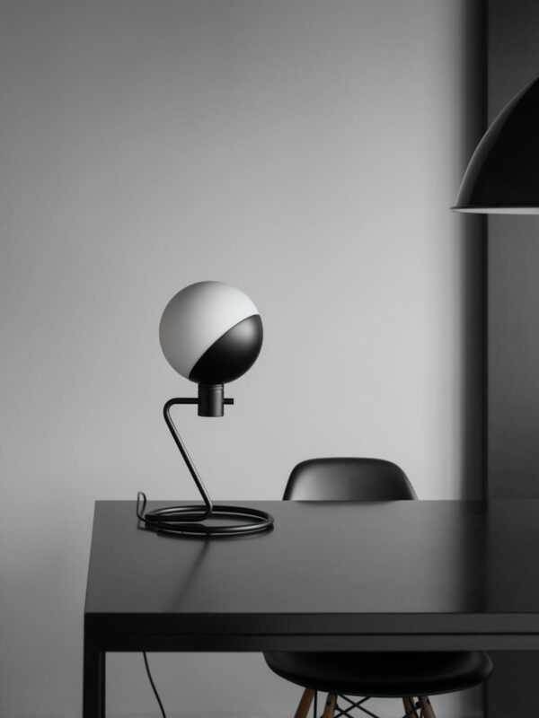 LUMINAIRE-LAMPEAPOSER-Grupa_Baluna