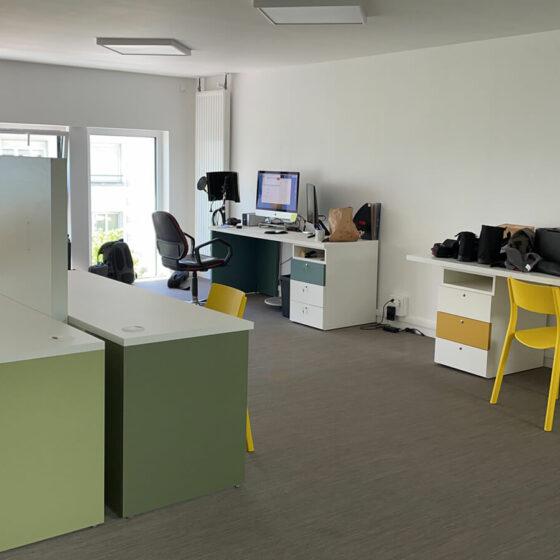 Aménagement d'un plateau de bureaux avec le mobilier personnalisable de Nidi